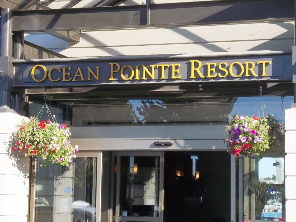 Delta Victoria Ocean Pointe Resort and Spa Entrance