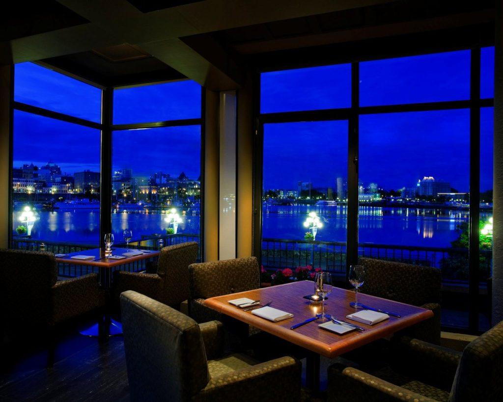 Delta Victoria Ocean Pointe Resort and Spa Restaurant