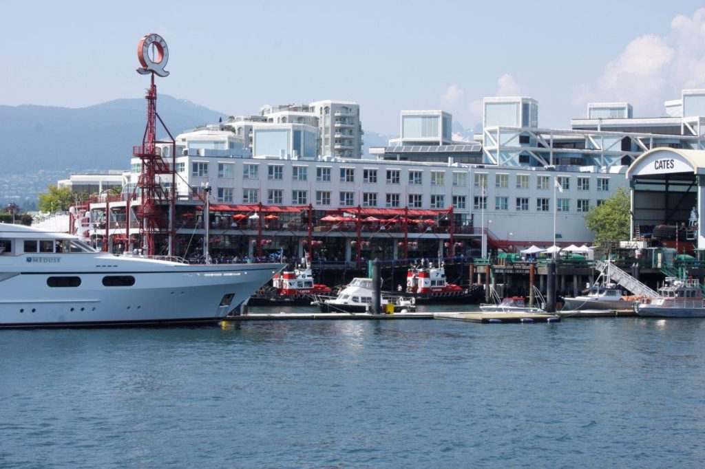 lonsdale quay hotel north vancouver harbour