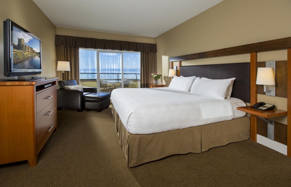 beach club resort parksville bedroom