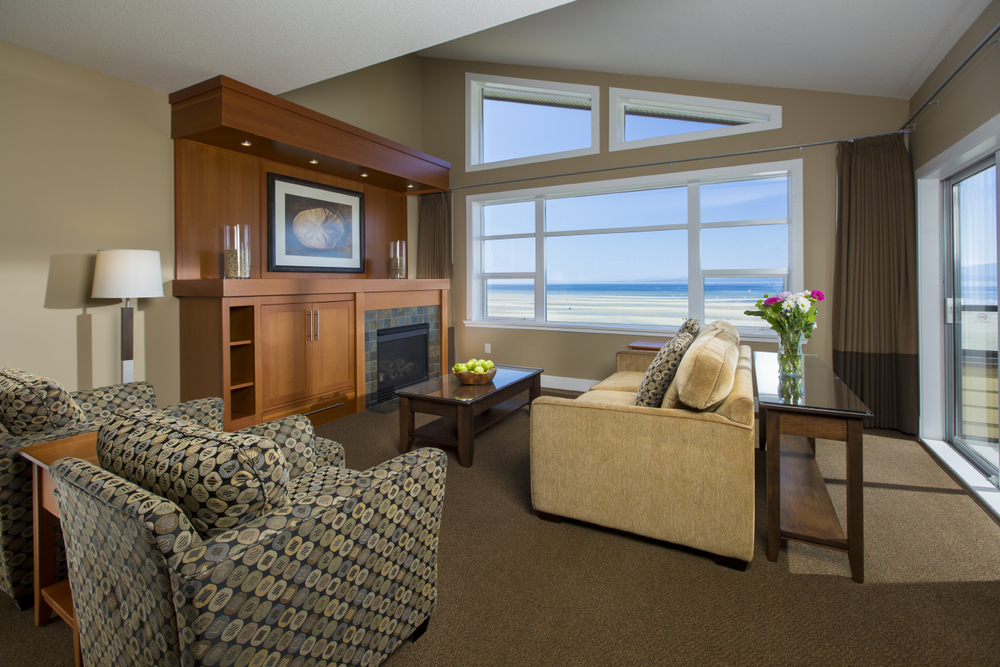 beach club resort parksville living room