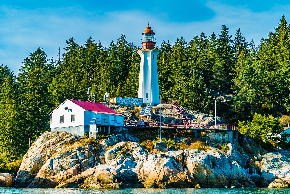 vancouver water adventures bowen island lighthouse