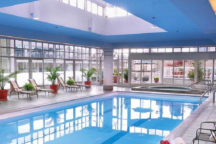 Pool Fairmont Hotel Vancouver